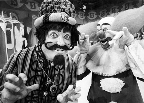 Marshall Brodien as Wizzo, seen here with Bozo